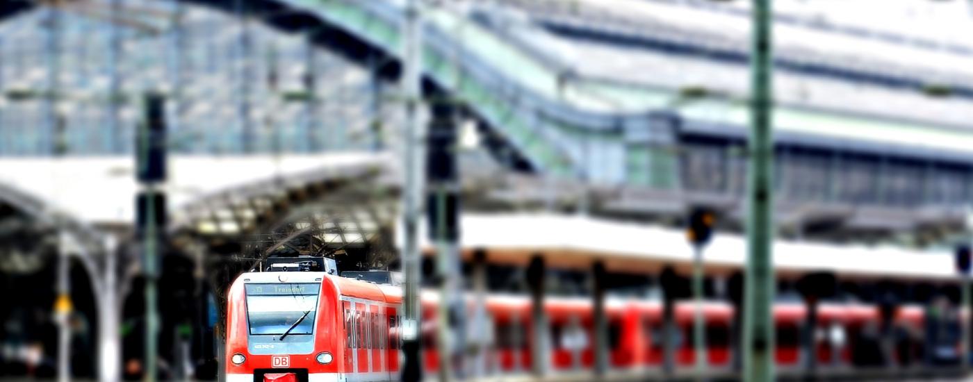 Bild Zug in Bahnhof